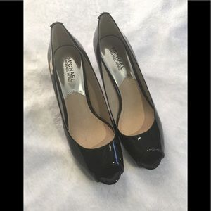 Women's Micheal by Micheal Kors Shoes Size 7.5.